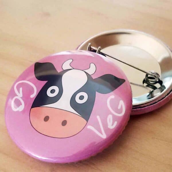 Pin button with Cow Picture