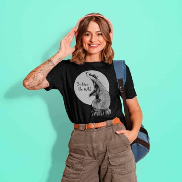 t-shirt vegan nera con stampa tasso